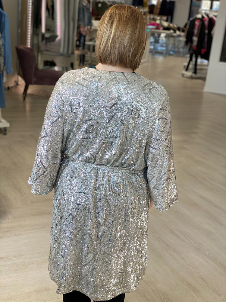 Load image into Gallery viewer, GEOMETRIC SEQUIN KIMONO