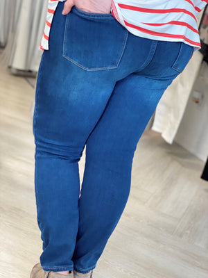 HIGH-RISE NON-DISTRESSED BOYFRIEND JEANS