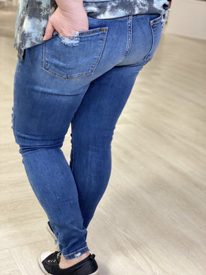 HIGH WAISTED DESTROYED SUPER STRETCH SKINNY JEAN