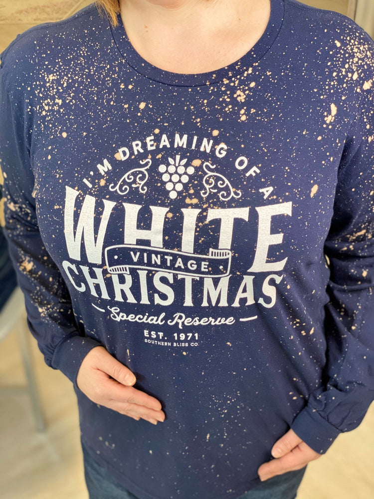 """I'M DREAMING OF A WHITE CHRISTMAS"" GRAPHIC TEE IN NAVY"