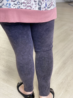MINERAL WASH MOTO LEGGINGS IN CHARCOAL