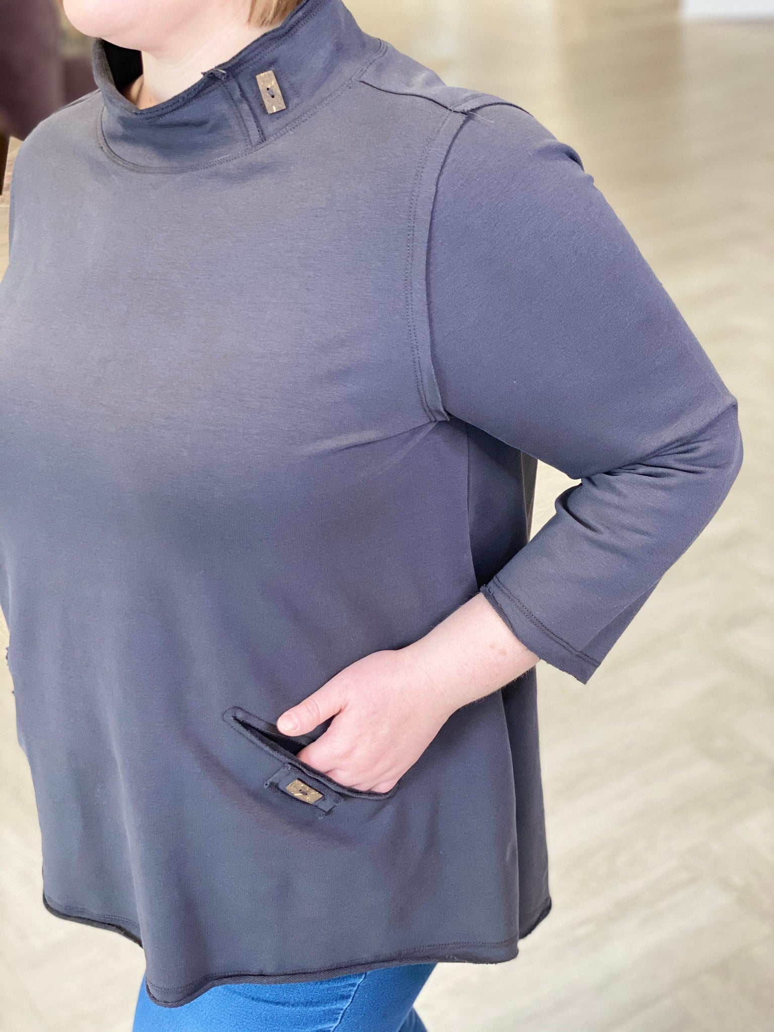 MOCK NECK TUNIC TEE WITH POCKETS