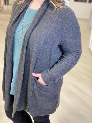 SUPER SOFT CARDIGAN WITH POCKETS AND WIDE LAPEL
