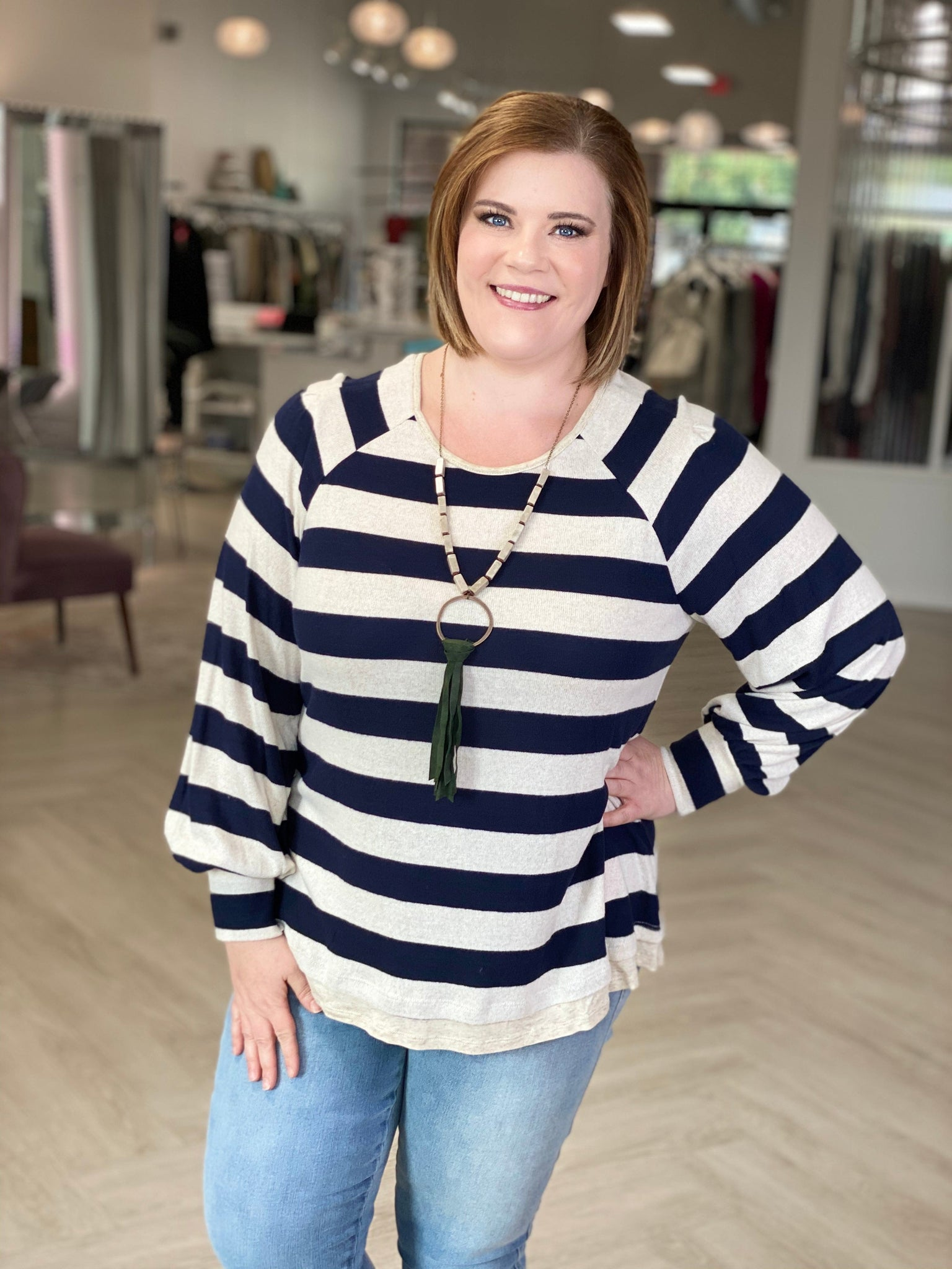 SUPER SOFT LIGHTWEIGHT STRIPED SWEATER WITH HEM DETAIL IN NAVY