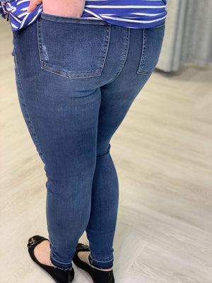 Load image into Gallery viewer, Spanx© DISTRESSED SKINNY JEAN