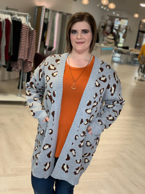 Load image into Gallery viewer, ANIMAL PRINT CARDIGAN