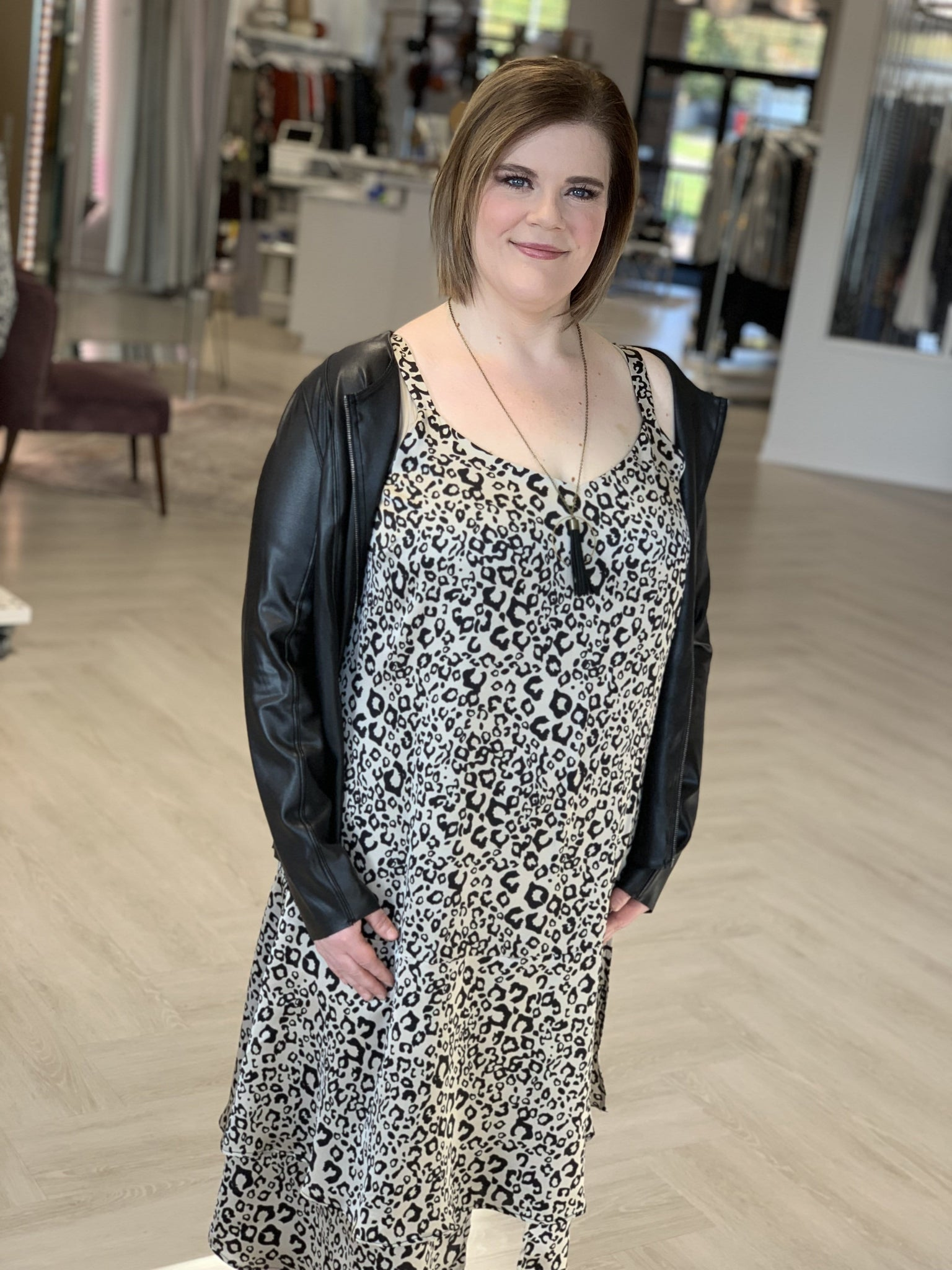 FLIRTY ANIMAL PRINT SHIFT DRESS