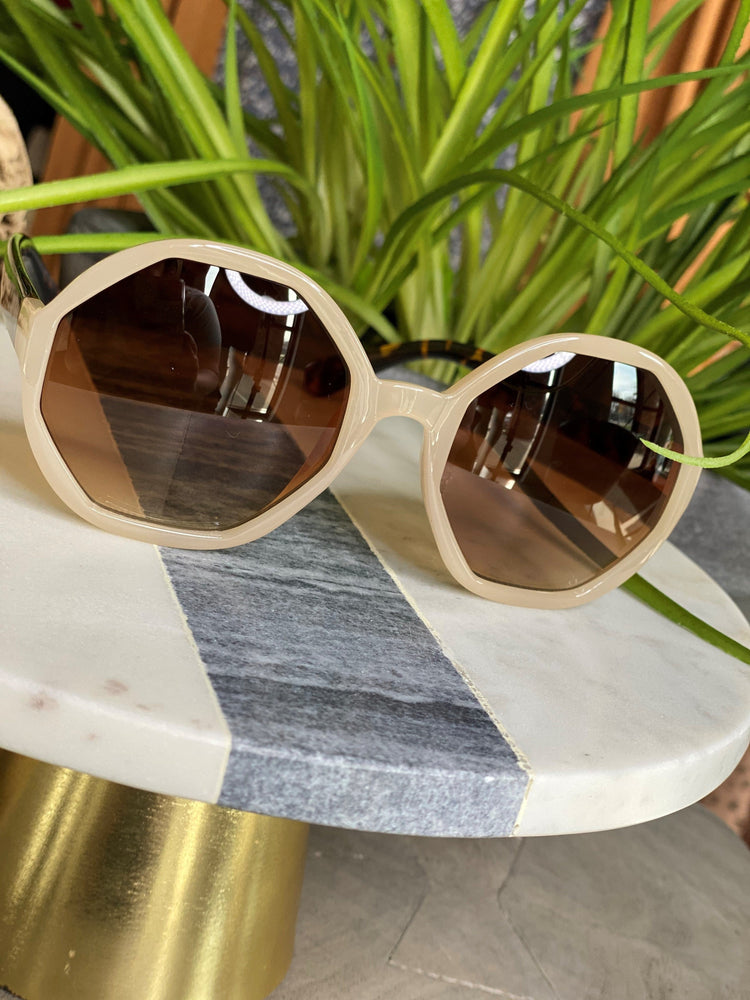 Load image into Gallery viewer, CRETE SUNGLASSES IN SAND