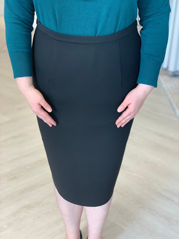 STRETCHY PENCIL SKIRT WITH ZIPPER DETAIL