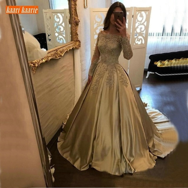 Luxury Gold Satin Evening Dresses Long Sleeves 2019 Lace Appliques Evening Gowns Customized Ball Gown Women Party Formal Dress
