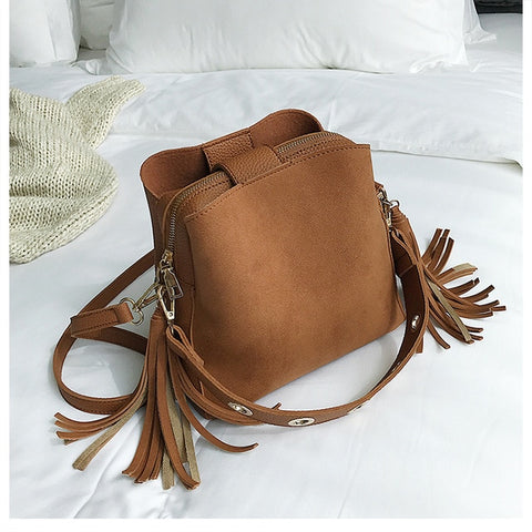 2019 New Fashion Scrub Women Bucket Bag Vintage Tassel Messenger Bag High Quality Retro Shoulder Bag Simple Crossbody Bag Tote
