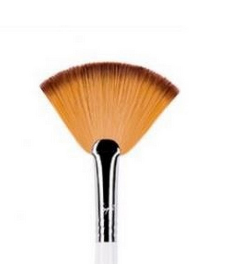 Sigma Beauty F41 Fan Brush – White