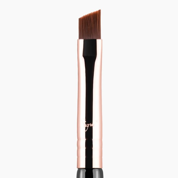 Sigma Beauty E65 – Small Angle Brush