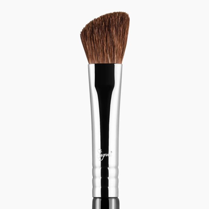 Sigma Beauty E70 – Medium Angled Shading Brush