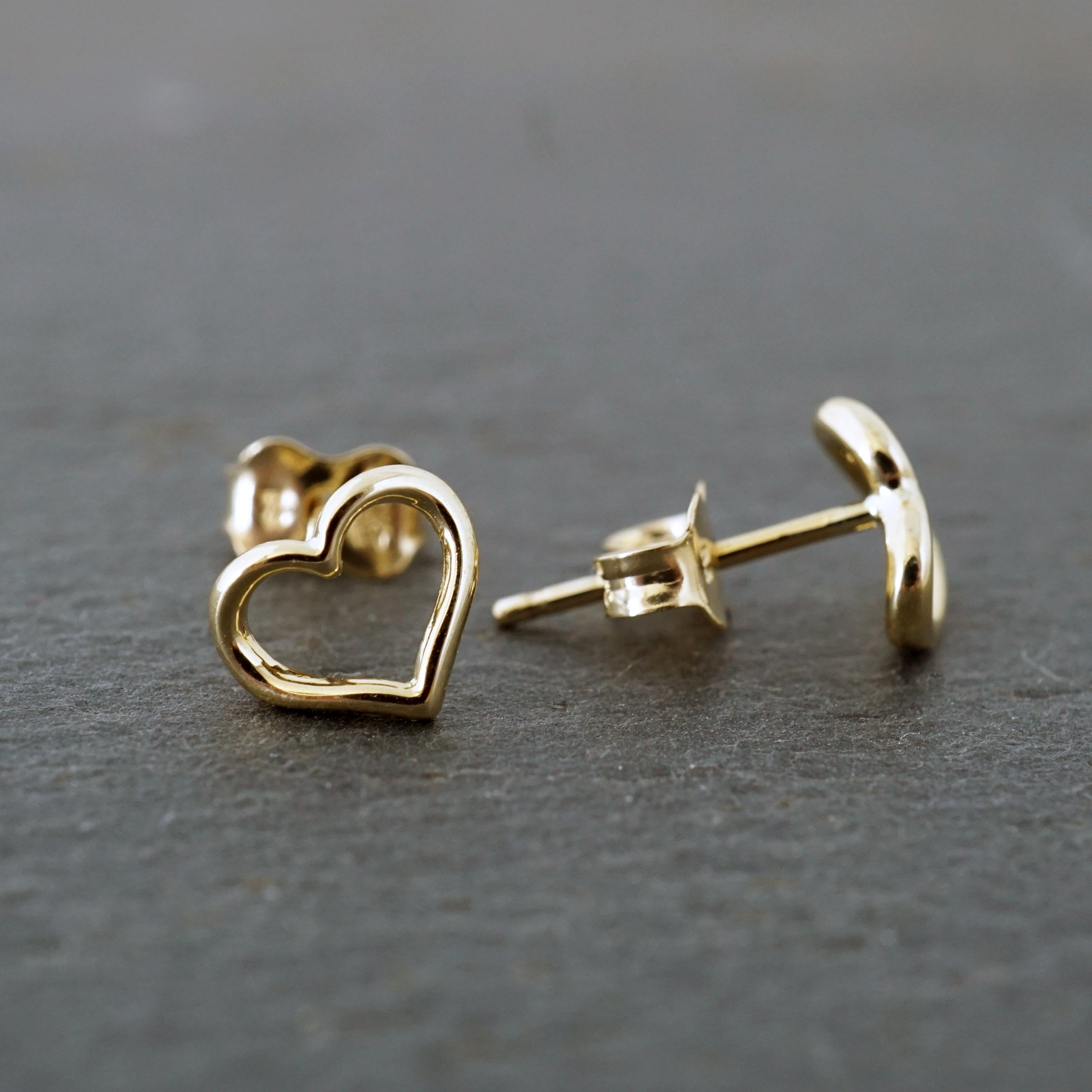 Heart Outline 10k Gold Studs