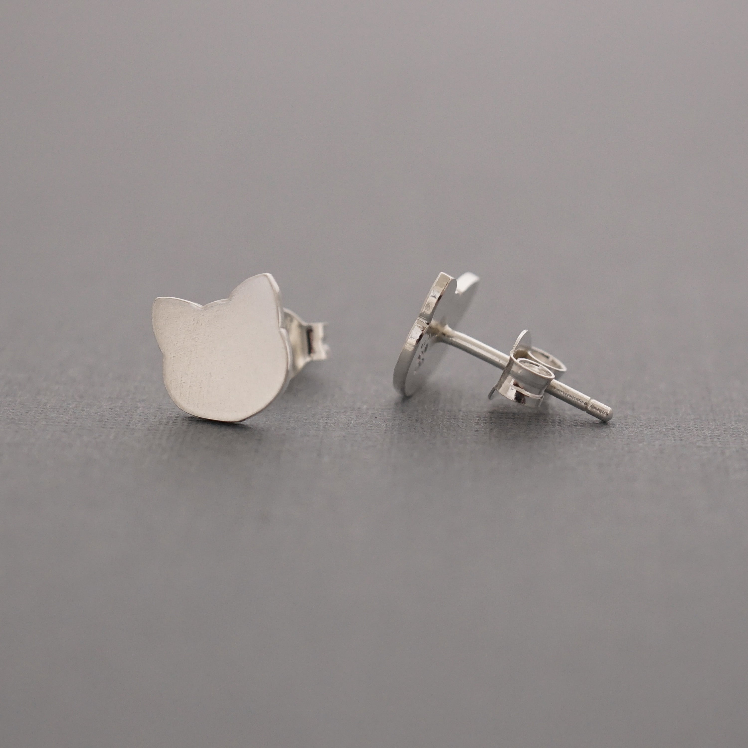 Cat Head Studs, Solid