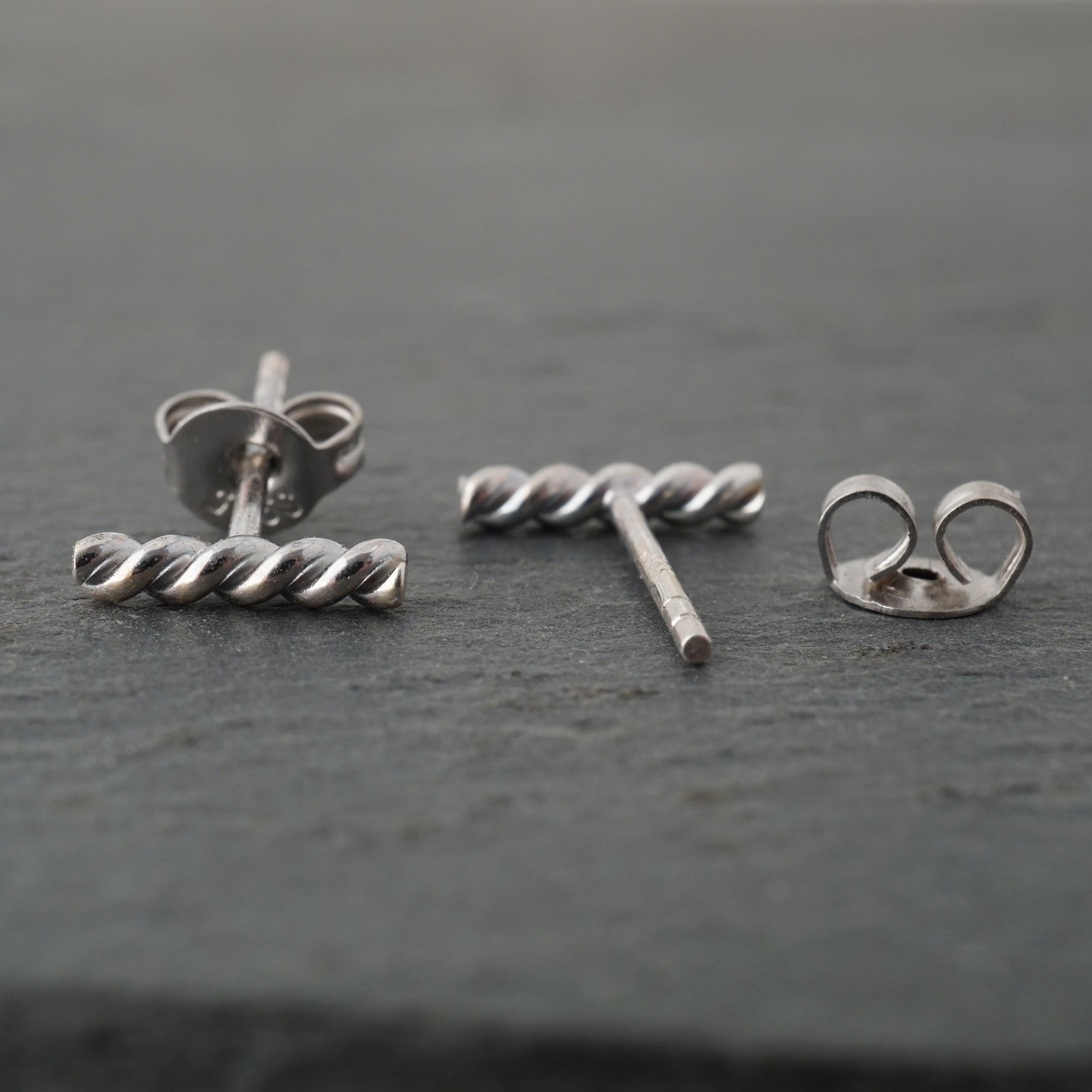 Medium Twisted Bar Studs