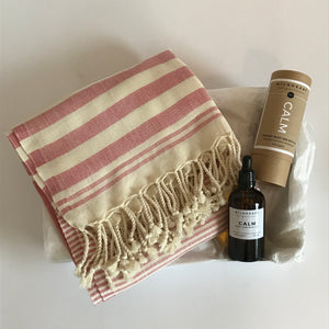 Rory & Ruby organic cotton hammam towel and organic body and bath oil gift box.