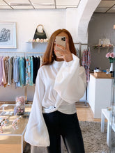Load image into Gallery viewer, puff sleeve blouse white