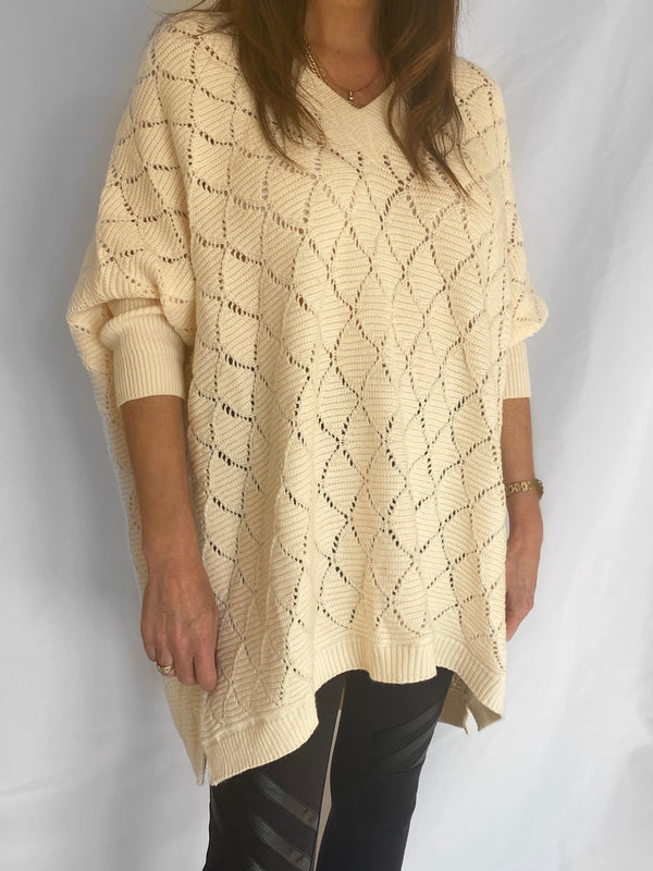 Billie oversized jumper in cream