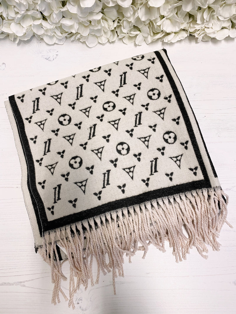 scarf-designer-scarf-black-and-white