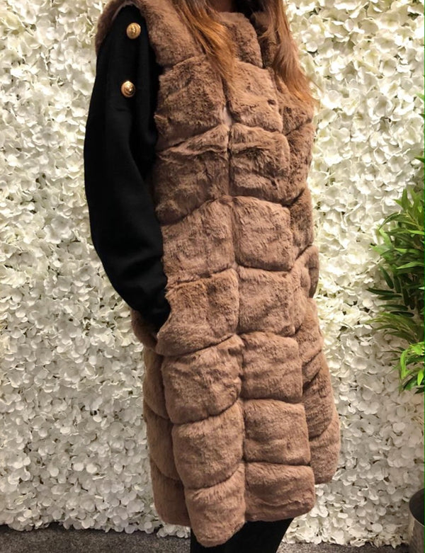 Evelyn Faux fur long gilet- Camel