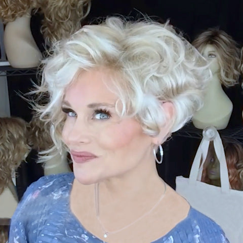 White Gold Roll Short Wig