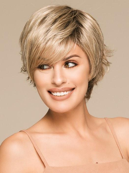 Natural Gradient Gold Short Wig