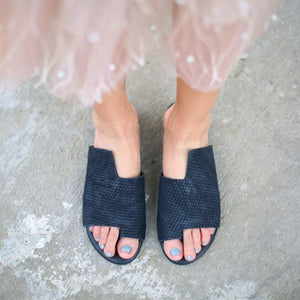 Daily Plain Open Toed Asymmetrical Shape Slippers