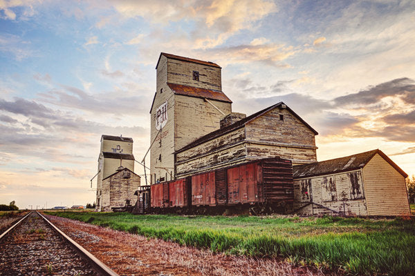P&H Elevators In Mossleigh Alberta