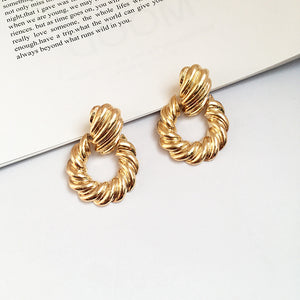 Twist Circle Doorknocker Earring