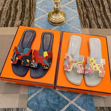 Load image into Gallery viewer, Spring and Summer New ins Tide Flat Slippers Casual Color Wear Outside Beach H Sand Drag