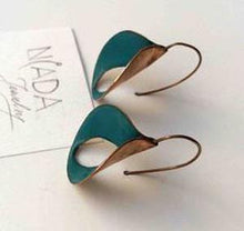 Load image into Gallery viewer, Leaf Type Retro Patina Earrings
