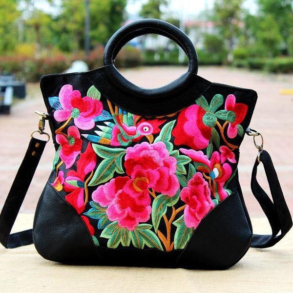 Ethnic characteristics embroidered handbags fashion national wind billiards shoulder slung handcuffs shell bag