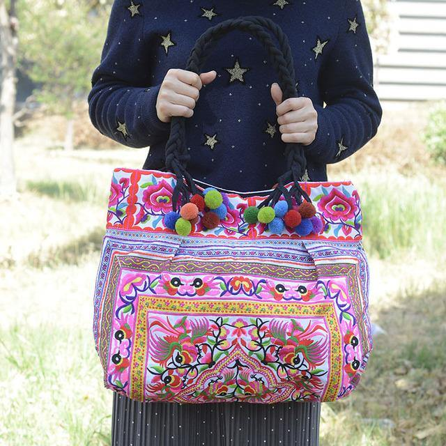 Yunnan Embroidered Bag Fashion Ethnic Bag  Lady Handbag Embroidery Bag
