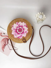 Load image into Gallery viewer, Boho Style Rattan Flower Pattern Round Bag