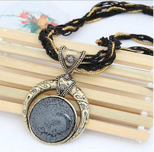 Load image into Gallery viewer, Hand-woven Bohemian Round Necklace