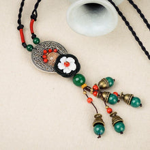 Load image into Gallery viewer, Retro Wild National Style Shell Flower Dried Bluestone Necklace