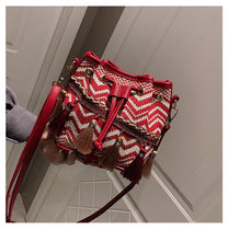 Load image into Gallery viewer, Slanting bucket fairy tassel beach bag female