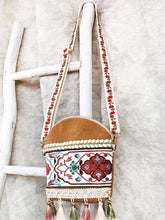 Load image into Gallery viewer, Holiday ethnic style retro embroidery Sen small crossbody bag