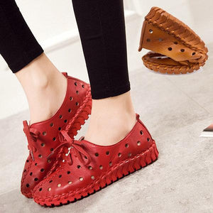 Hollow Out Breathable Stitching Lace Up Leather Soft Shoes
