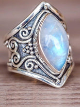 Load image into Gallery viewer, Vintage Exaggerated Ring Jewelry