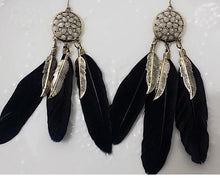 Load image into Gallery viewer, Vintage Metal Handmade Feather Dangle Earrings