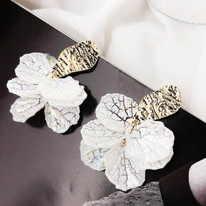 White Shell Flower Petal Drop Earrings For Women
