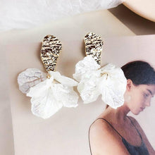 Load image into Gallery viewer, White Shell Flower Petal Drop Earrings For Women