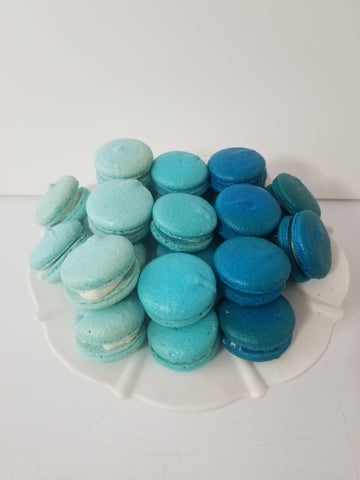 Blue Ombre Macarons (24) - Dulcet Cravings