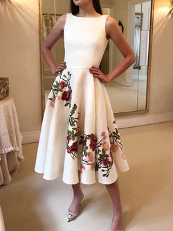 Backless Round Neck Sleeveless Floral Expansion Dress