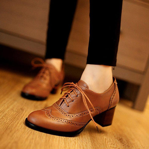 Plain Chunky Heel Lace-Up Front Round Toe Hollow Professional Boots