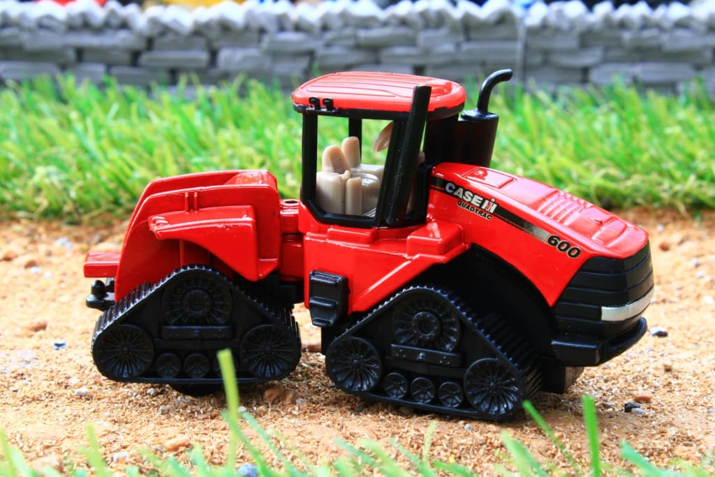1324 SIKU 187 SCALE CASE IH QUADTRAC 600