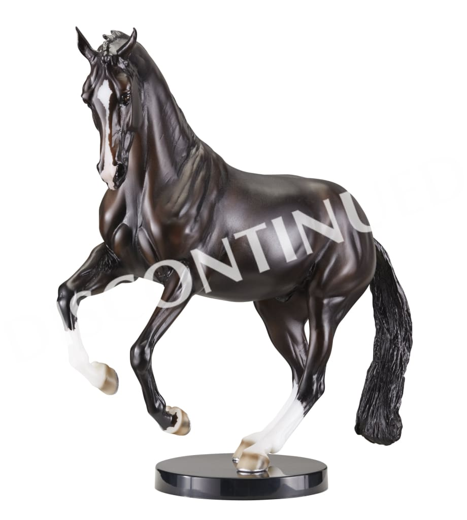 BR1756 Breyer Traditional 1:9 scale - Valegro